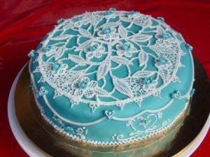 Ажурный праздничный торт с помощью Royal Icing