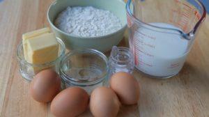 Доступный набор ингредиентов для заварных пирожных