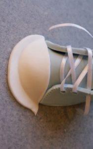 На другом примере МК закрепление носовой части делается в конце