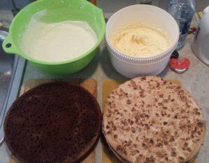Подготовленные и испеченные продукты для сборки торта
