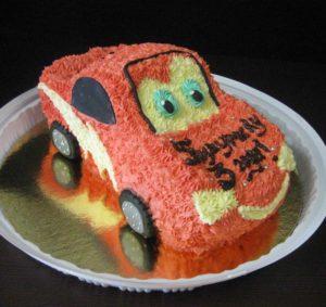 Готовый торт Машинка из крема