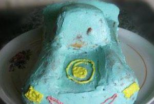 При украшении торта кремом лучше начинать с мелких деталей