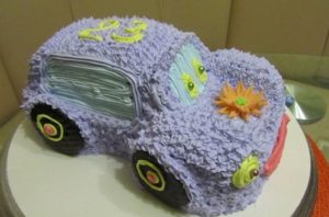 Торт Машинка из крема порадует и девочек
