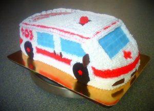 Кремовый торт Машина - отличный презент для работников всех отраслей