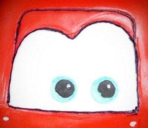 Глаза машинки Молния Маквин из мастики с прорисовкой