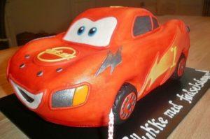 Торт машина Молния Маккуин в готовом виде для презентации