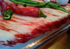 Украшения из мастики: перец и зеленый лук