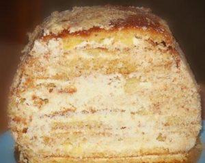 Подгоняем очертания десерта под форму сумочки