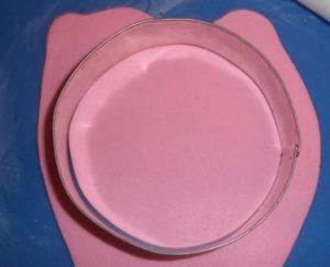 Вместо формочки можно использовать стакан или другой бытовой предмет