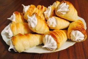 Пирожные с заварным белковым кремом