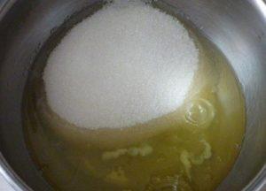 Смешиваем подготовленные ингредиенты