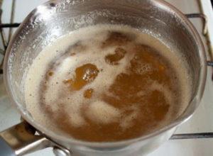 Варим карамельный сироп для грильяжа
