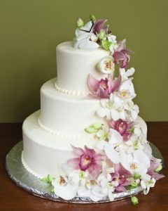 Торжественный многоярусный торт