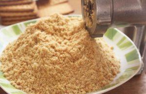 Молотое печенье с помощью мясорубки
