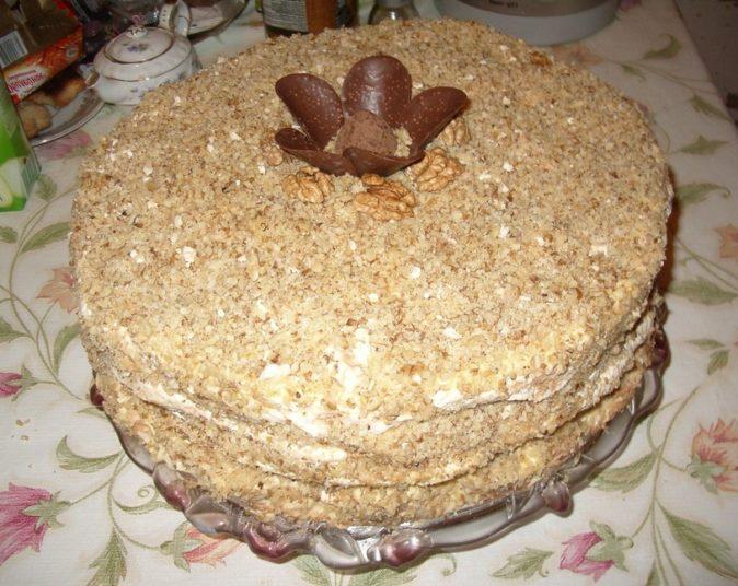 """Готовый торт-безе """"Королевский"""""""