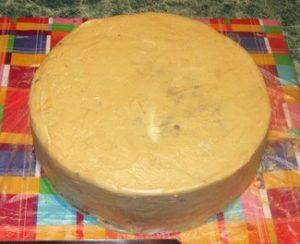 Готовый торт под выравнивающим кремом