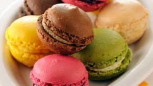 Макаронс - яркий десерт