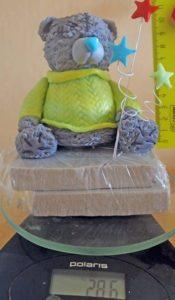 Вес готового украшения из скульптурной массы и мастики мишка Тедди