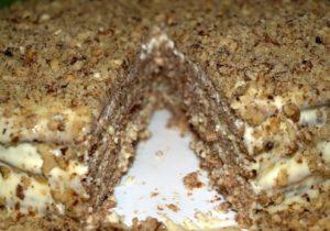 Домашний Ореховый торт в разрезе