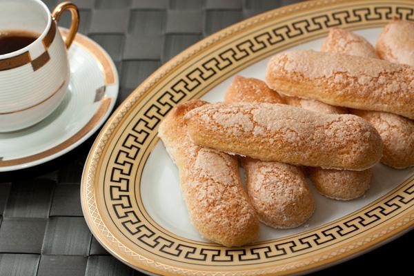 Готовое легкое бисквитное печенье Савоярди