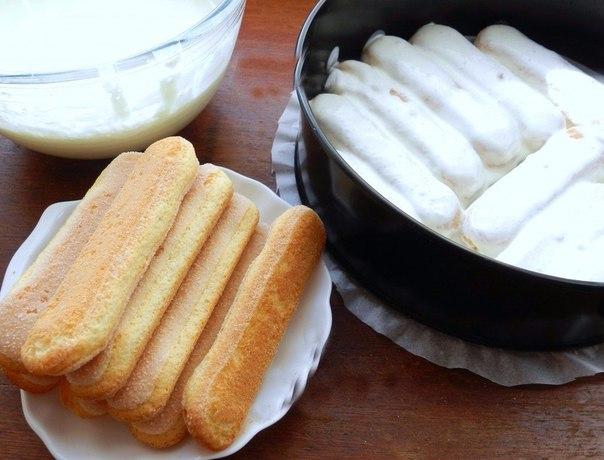 Формирование торта в форме из печенья Дамские пальчики
