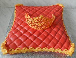 Торт Подушка со стеганными ромбами из мастики