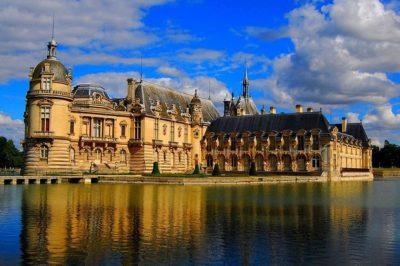 Замок Шантийи (он же музей Конде) - наиболее значительная аристократическая резиденция Франции в эпоху старого порядка