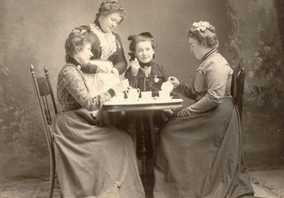 Старое фото: английское чаепитие