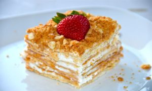 """Кусочек готового торта """"Наполеон"""""""